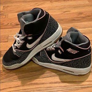Nike Air Assault sneakers